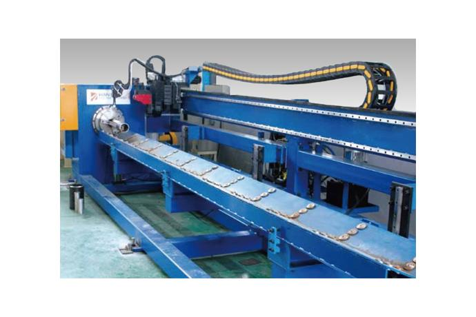 CNC Pipe Cutting Machine (Chuck type - Roller Table)