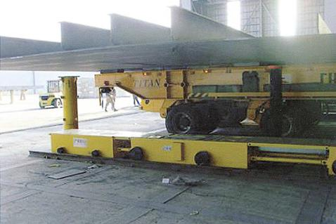 Block Load-Out Lifter