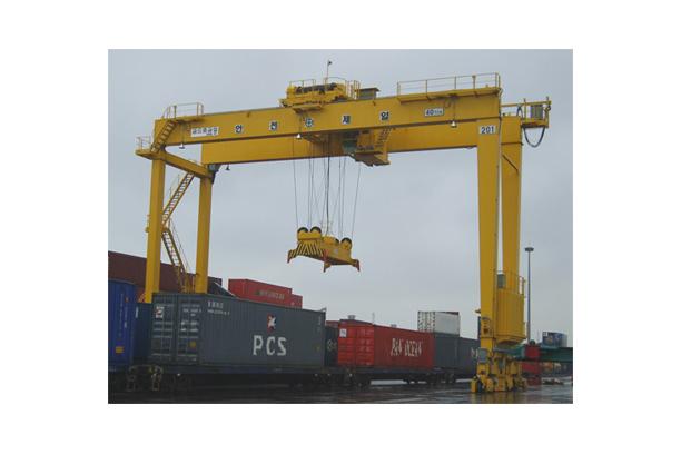 Container Handling Rail Mounted Gantry Crane (RMGC)