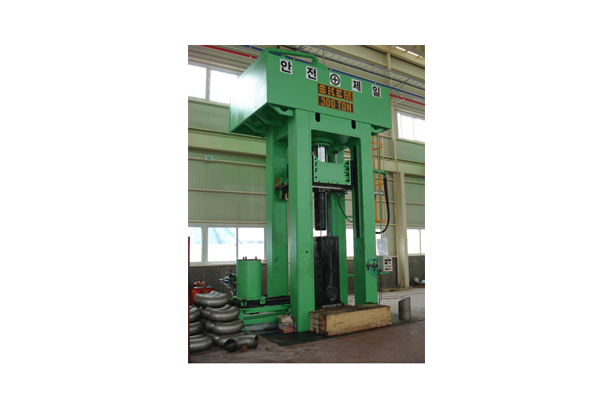 300TON (ELBOW, COLD) METAL-FORMING PRESS_2