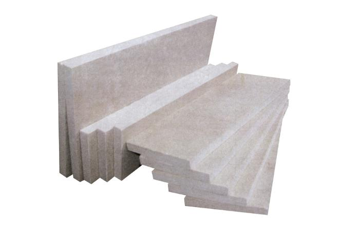 Ceramic for high temperature and insulation